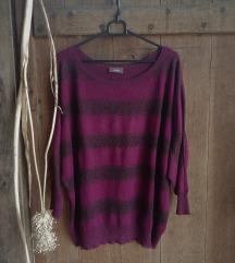 Vijoličen črtast pulover z bleščicami