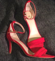 H&M rdeče petke