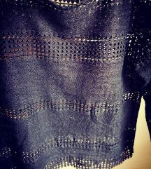 Črna čipkasta majica