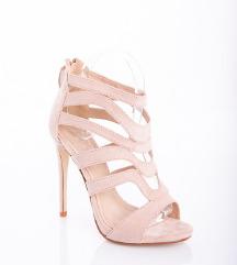 Kožno-roza atraktivni sandali - kot NOVI!