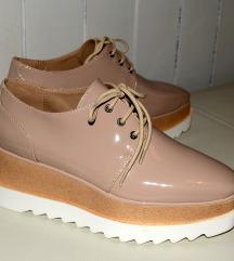 Čevlji na vezalke