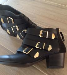 Čevlji vel. 38