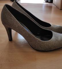 Elegantni srebrni čevlji s peto