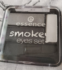 Eyeshadow essence