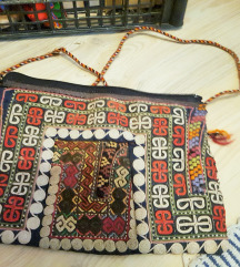 Vintage ročno tkana torbica iz Gruzije