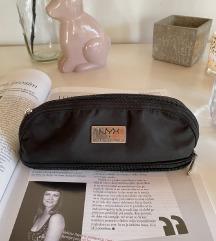 NYX kozmetična torbica