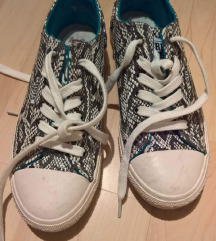 Čevlji 38