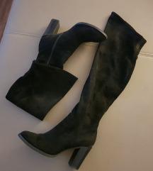 Visoki škornji čez koleno