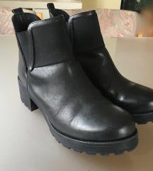 usnjeni čevlji Bata