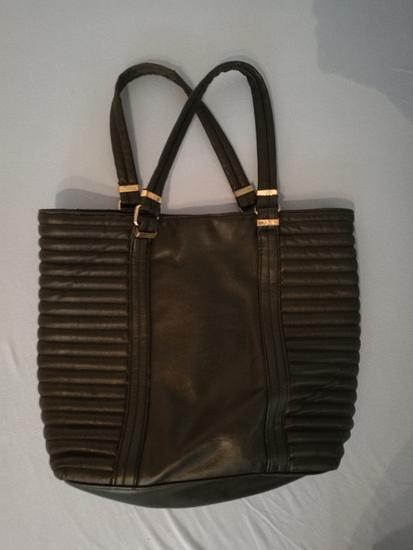 velika črna torbica