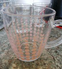 Steklena skodelica*
