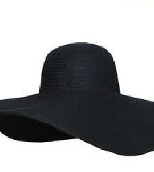 Črn klobuk
