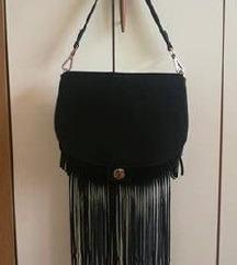 Črna H&M torbica z resicami
