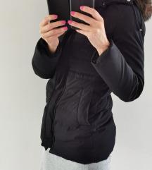 Črna bunda Zara