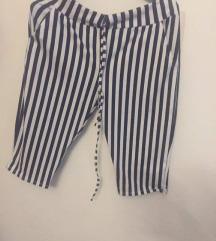 Čudovite poletne črtaste kratke hlače