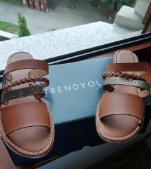 Sandali, novi