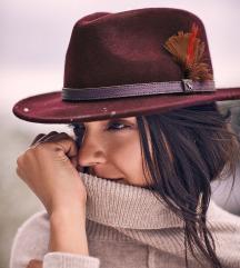 Zimski fedora klobuk