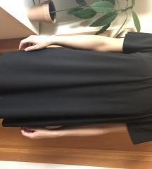 Crna poletna obleka brez naramnic