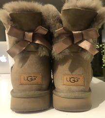 Čevlji UGG 40