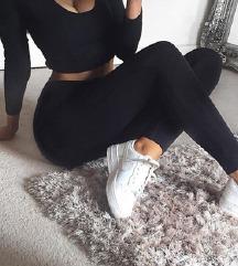 NOVE črne elegantne hlače Terranova xs