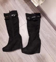 Škornji s polno peto ❤️