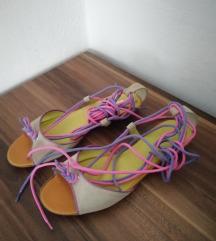 Peko sandali