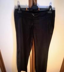 Črne hlače, 42