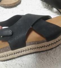 Sandali 40