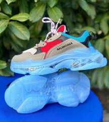 Blenciaga triple S