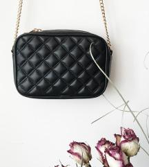 🎀 Črna quilted torbica z zlato verigo 🎀