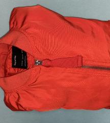 Rdeča Bershka jakna
