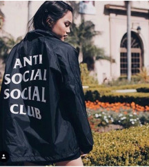 Anti social social club jakna mpc 250€