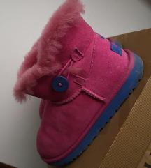 Original Ugg škornji mpc 159€