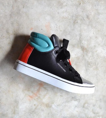 Sketchers čevlji MPC 70 eur