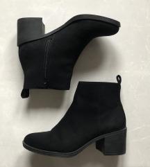 Gležnjarji/Ankle boots na peto