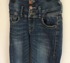 Bershka jeans visok pas