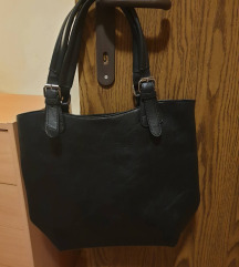 Različne črne torbice