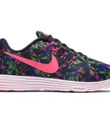 Nike Lunar tempo 2, št. 39