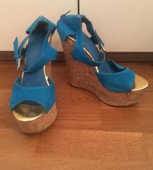 Poletni sandali s polno peto