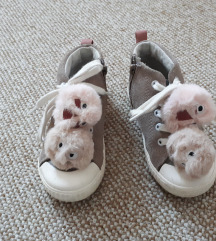 Zara čevlji 24