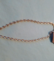Nova kompaktna ogrlica