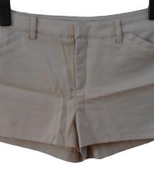 Svetlo rjave kratke hlače