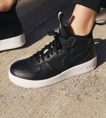 NIKE AIR FORCE 1 ULTRAFORCE, st. 39-skupaj s ptt!