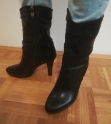 Črni škornji - številka 38