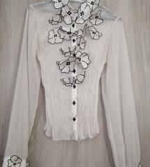 Bluza z našitimi rožami