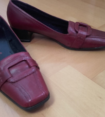 Usnjeni vintage čevlji Tamaris