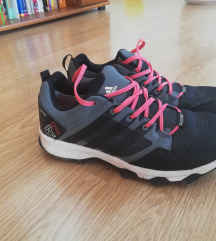 Pohodni/tekaški čevlji, vodoodporni
