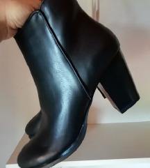 črni čevlji - gležnarji /NOVI