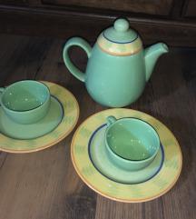 Čajnik,šalčki in krožnika-ročno prebarvano