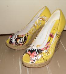 Sandali - čevlji s polno peto